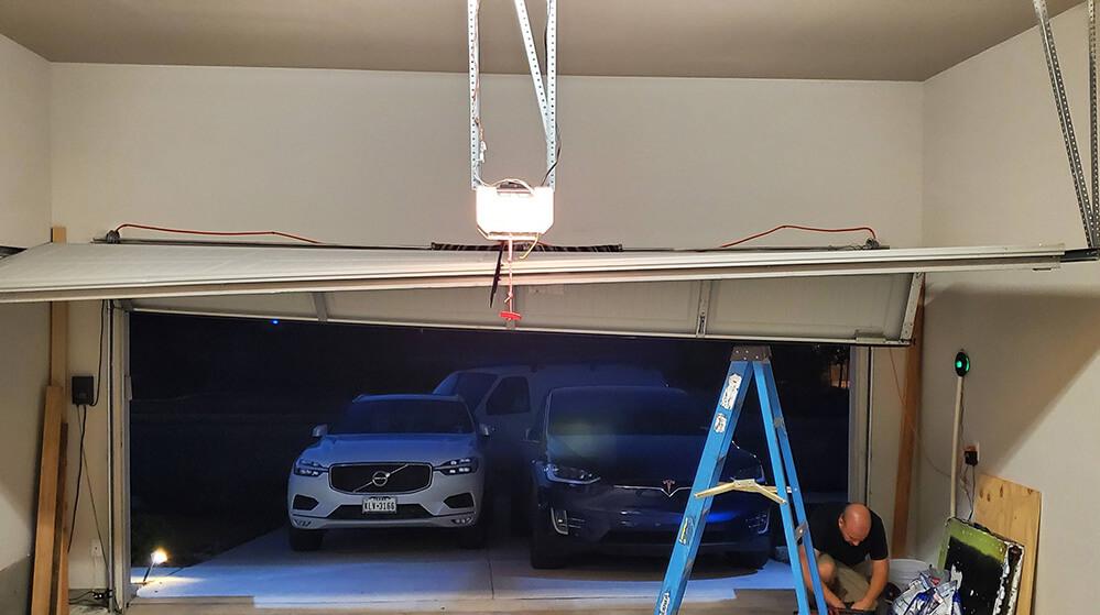 What to do when your Garage Door gets Stuck